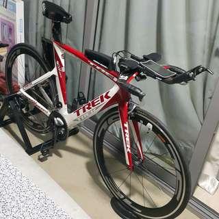 Tri bike triathlon Race ready condition TT Bike Trek Speed Concept with Aero Wheelset