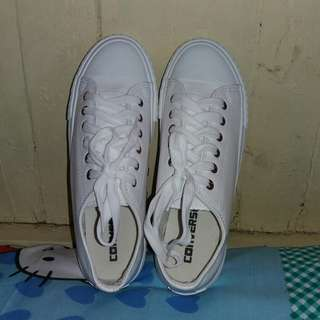 Converse Leather Shoes. SIZE 6.5