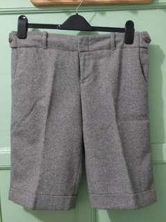 Celana pendek wol grey