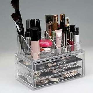 Make up organizer