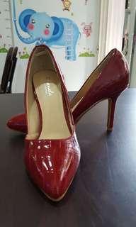 女鞋/時尚知性鱷魚紋尖頭高跟包鞋
