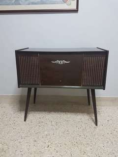 Vintage National turntable radio