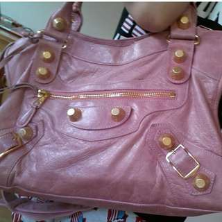 Bubblegum Leather Giant 21 Gold Hardware Motorcycle City Bag
