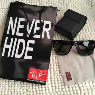 💞 FOLDABLE RAYBAN 💞 ✔️authentic overrun  With paperbag, case and wipes