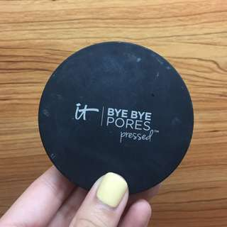 IT COSMETICS 毛孔隱形蜜粉餅Bye Bye Pores Pressed™ Poreless Finish Airbrush Pressed Powder