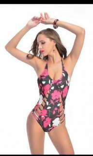 Women floral bikini swimsuit.