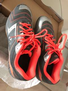 Yonex PowerCushion 87LTD Size 28.5cm Men