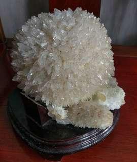 罕有球型水晶筑群
