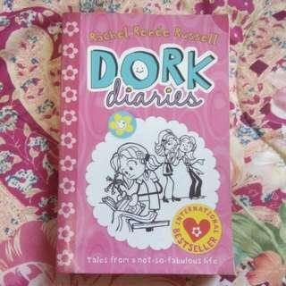 Dork Diaries By Rachel Renee Russel