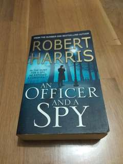 Robert Harris - An Officer and a Spy
