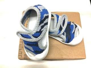 全新嬰兒鞋內長(約11-12公分 外長約13公分)