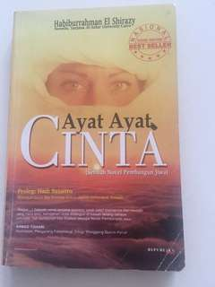 Buku novel Ayat-Ayat Cinta
