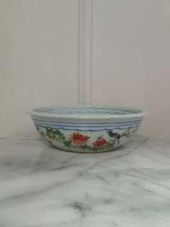 Republic Period Porcelain Pot with enamel painting height 8.5cm diameter 4.5cm perfect condition