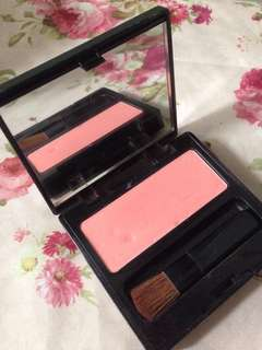 BLUSH ON MAKEOVER