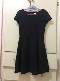 Pre💕 H&M black dress