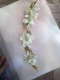 Bride accessory