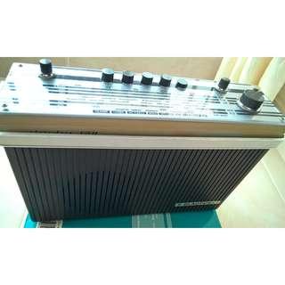 Vintage Blaupunkt Derby 681 FM/MW/LW/SW Transistor Radio