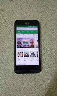 5吋華碩ZenFone 2 ZE500CL.