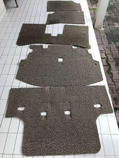 Karpet bihun warna coklat
