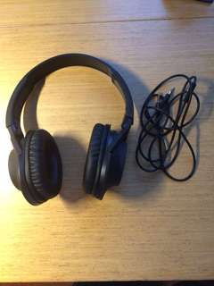 99% new headphone with cable (only opened box, didn't even used it)