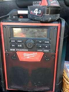 Milwaukee Jobsite Radio/Charger