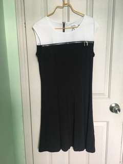 Calvin Klein連身裙