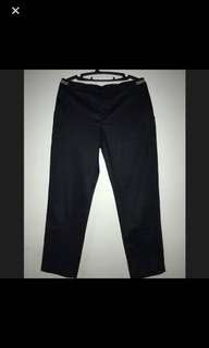 Uniqlo Ankle high black pants