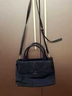 Agnes b.深藍色手提包 附背帶