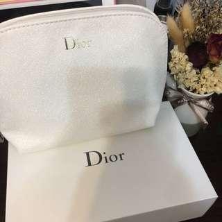 全新未拆 Dior化妝包 附上原本的禮盒 最棒的聖誕禮物