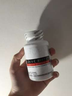 Luxxe White with 01 whitening soap