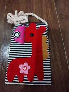 Giraffe Slim Bag for kids