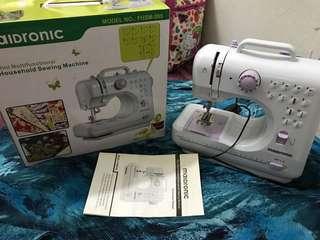 Sewing machine maidronic/mesin jahit