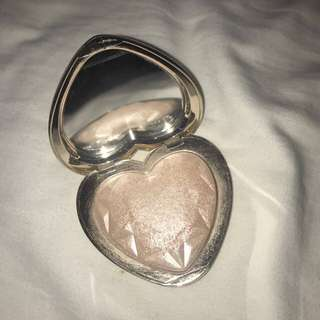 Too faced love light highlight shade- blinded by the light