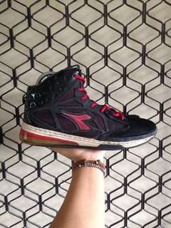 Diadora Basketball Shoe