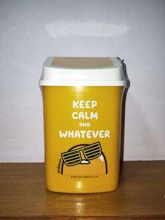 🚚 蛋黃哥迷你方形垃圾桶,桌上型垃圾桶,小垃圾桶