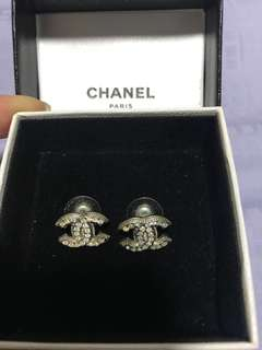 💯Authentic Chanel Earrings