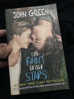 The Fault in Our Stars - John Green (Edisi Cover Film)