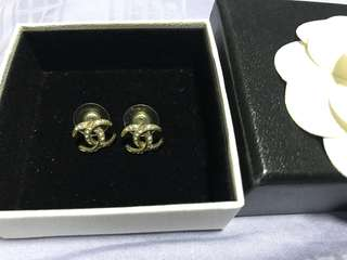 💯Authentic Chanel Gold Earrings