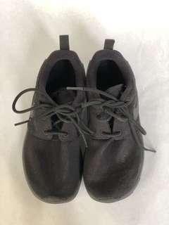 Nike Roshe Boys Sneakers (Black)
