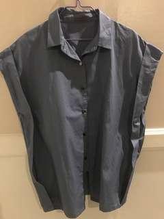 Maldita womens blouse blue gray Medium unused. Srp 900