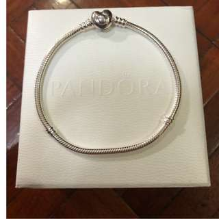 Guaranteed authentic and brand new Pandora Moments Heart Clasp Bracelet