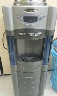 Water dispenser delcol