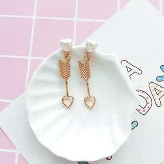 Ladies Korean Gold Pearl Pendant Drop Earrings