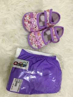 Cotton diapers with insert and baby shoes