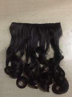 hairclip dark brown curly