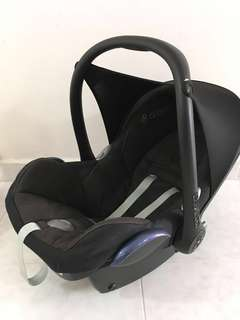 Maxi Cosi Cabriofix with adapter for Quinny