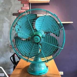 「早期大同老風扇轉動正常」 早期 古董 復古 懷舊 稀少 有緣 大同寶寶 黑松 沙士 鐵件 40年 50年