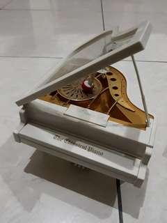 kotak musik piano #lsprnyc