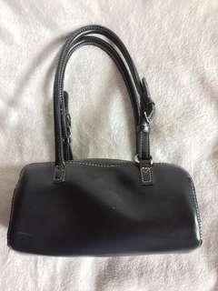 Sale! 🎉Pre-loved black small shoulder bag
