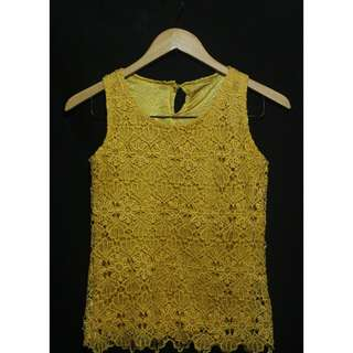 Crochet yellow sleveless top  * small - med * used once only